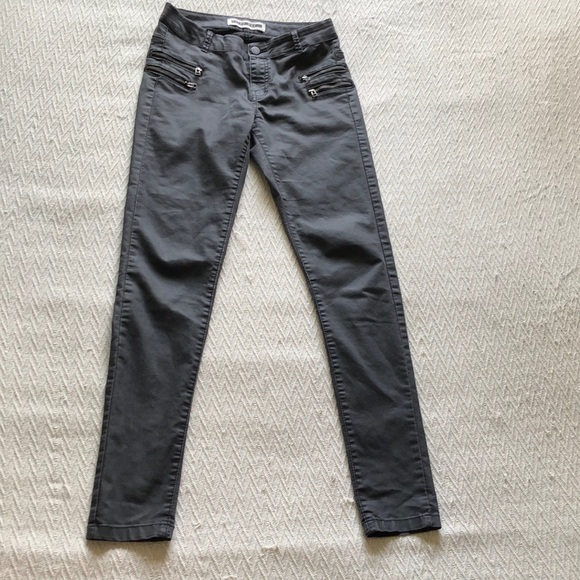 Noisy may pants with zipper detail